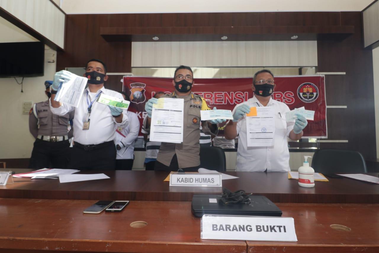Oknum Pegawai BP Batam Diamankan Dit Reskrimum Polda Kepri Terkait Pemalsuan Surat,Pemerasan,dan Penipuan
