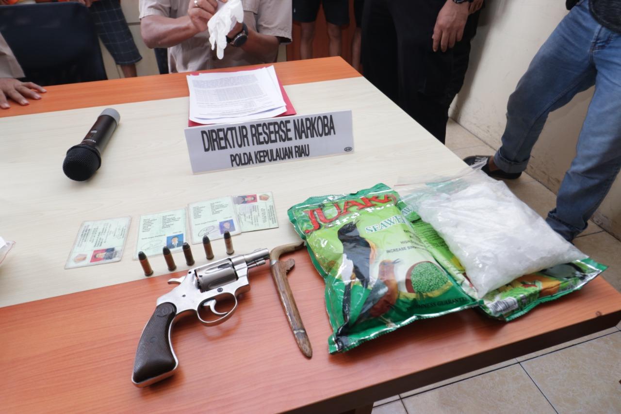Dit Resnarkoba Polda Kepri Berhasil Ungkap Kasus Narkotika Jenis Sabu Dan Disertai Senjata Api